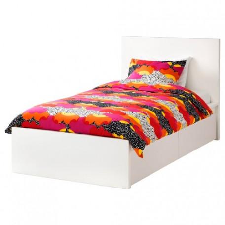 سرير مفرد لون أبيض يشمل جرارين للتخزيت تحت التخت