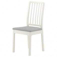 كرسي لون أبيض- قماش رمادي فاتح