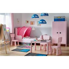 غرفة اطفال: سرير قابل للتمديد+ خزانه ملابس + كومدينا جارورين لون زهري فاتح