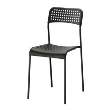 كرسي أسود