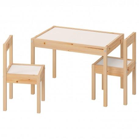 طاولة أطفال مع كرسيين لون أبيض صنوبر