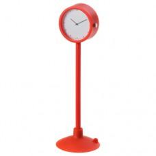 ساعة لون أحمر
