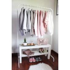 علاقة ملابس + طاولة خشب